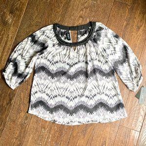 Open shoulder women's blouse